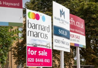 for sale signs ftb buyers houses sell