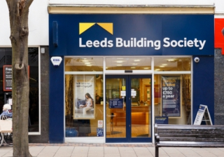 Leeds 387