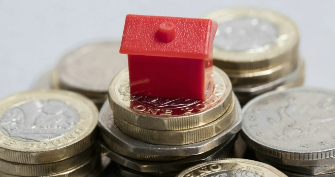 House prices fall by 1% in June