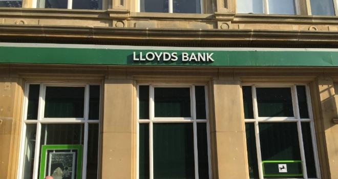 Lloyds extends new build lending